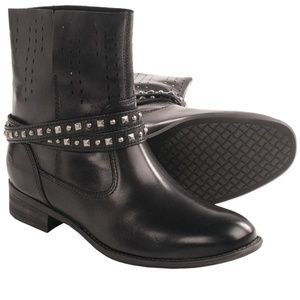 Blondo Joy Black Leather Ankle Boot US 6
